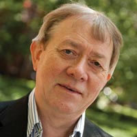 Dr. Steve Leybourne